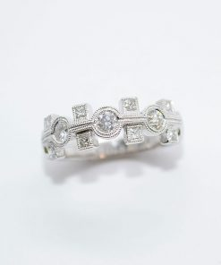 princess & round cut diamond band