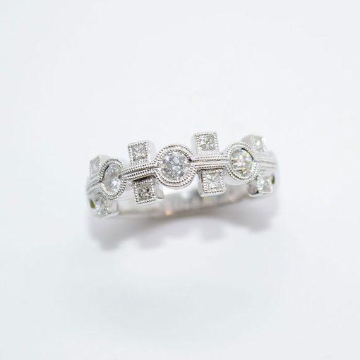 princess & round cut diamond band