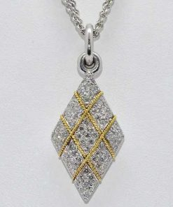 diamond pendant with rope design