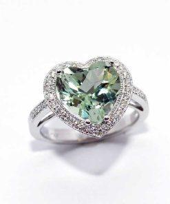18k white gold diamond heart shaped amethyst ring