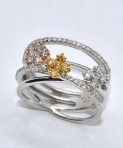 18k White Gold Diamond Fashion Ring