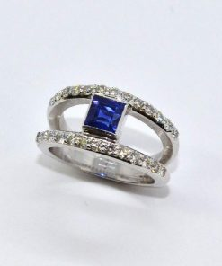 Diamond & Sapphire Fashion Ring